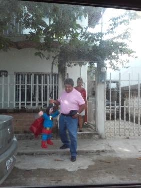 Pastor Leo Pinata pic-up